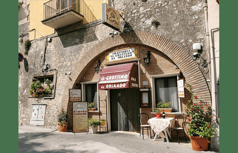 Pranzo o Cena a Cascia (Perugia)